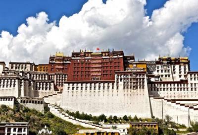 神圣的宫殿:布达拉宫导游解说词