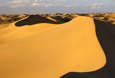黄河上的弓弦:库布齐沙漠徒步穿越攻略