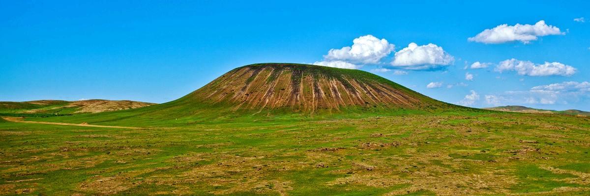 周末露营7.27-7.28&&乌兰哈达火山群,26KM徒步穿越火山荒原,天鹅湖